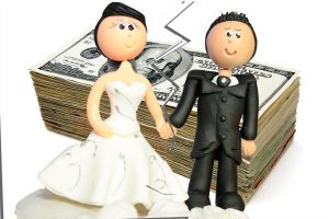 Daniel J. Siegel, P.C., spousal maintenance, married couple divorcing with money