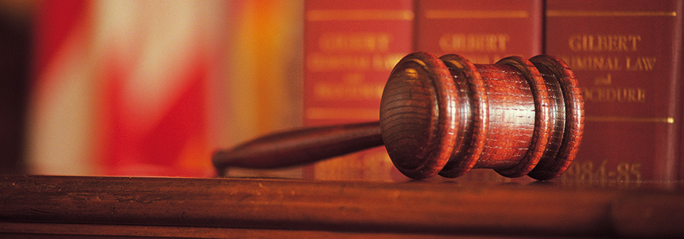 Arizona Divorce Lawyer, gavel with legal books